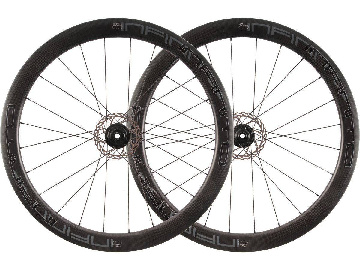 D5C – Zwarte velg – Zwarte naaf – 1