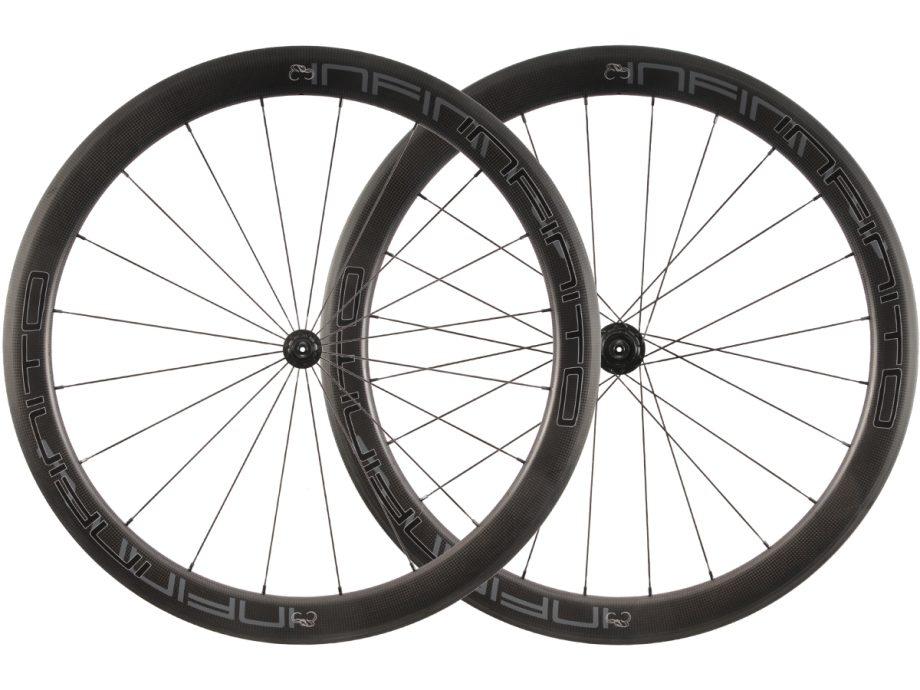 R5C – Zwarte velg – Zwarte naaf