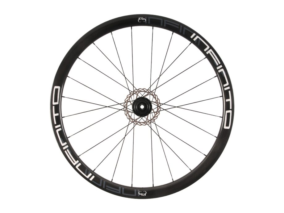 https://www.infinito-cycling.com/wp-content/uploads/2019/02/D4C-Witte-velg-Zwarte-naaf-Rear-1.jpg