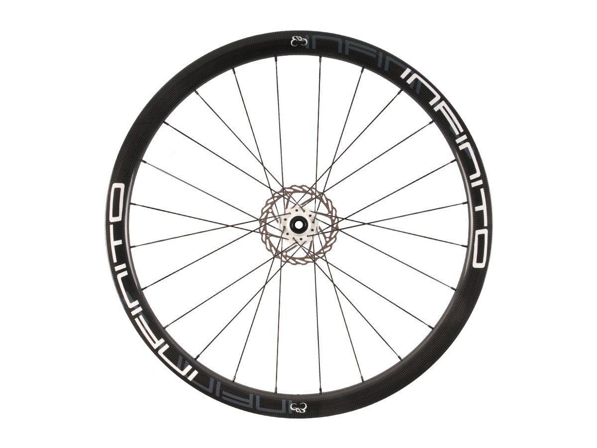 https://www.infinito-cycling.com/wp-content/uploads/2019/02/D4T-Witte-velg-Witte-naaf-Front-1.jpg