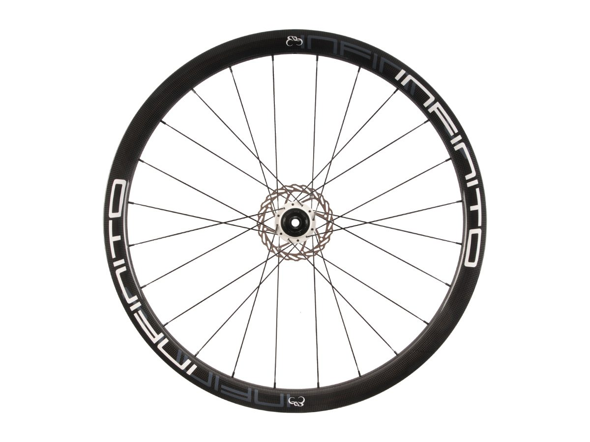 https://www.infinito-cycling.com/wp-content/uploads/2019/02/D4T-Witte-velg-Witte-naaf-Rear-1.jpg