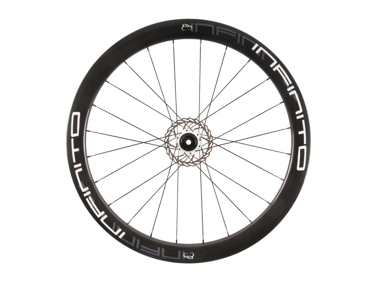 https://www.infinito-cycling.com/wp-content/uploads/2019/02/D5C-Witte-velg-Witte-naaf-Rear-1.jpg