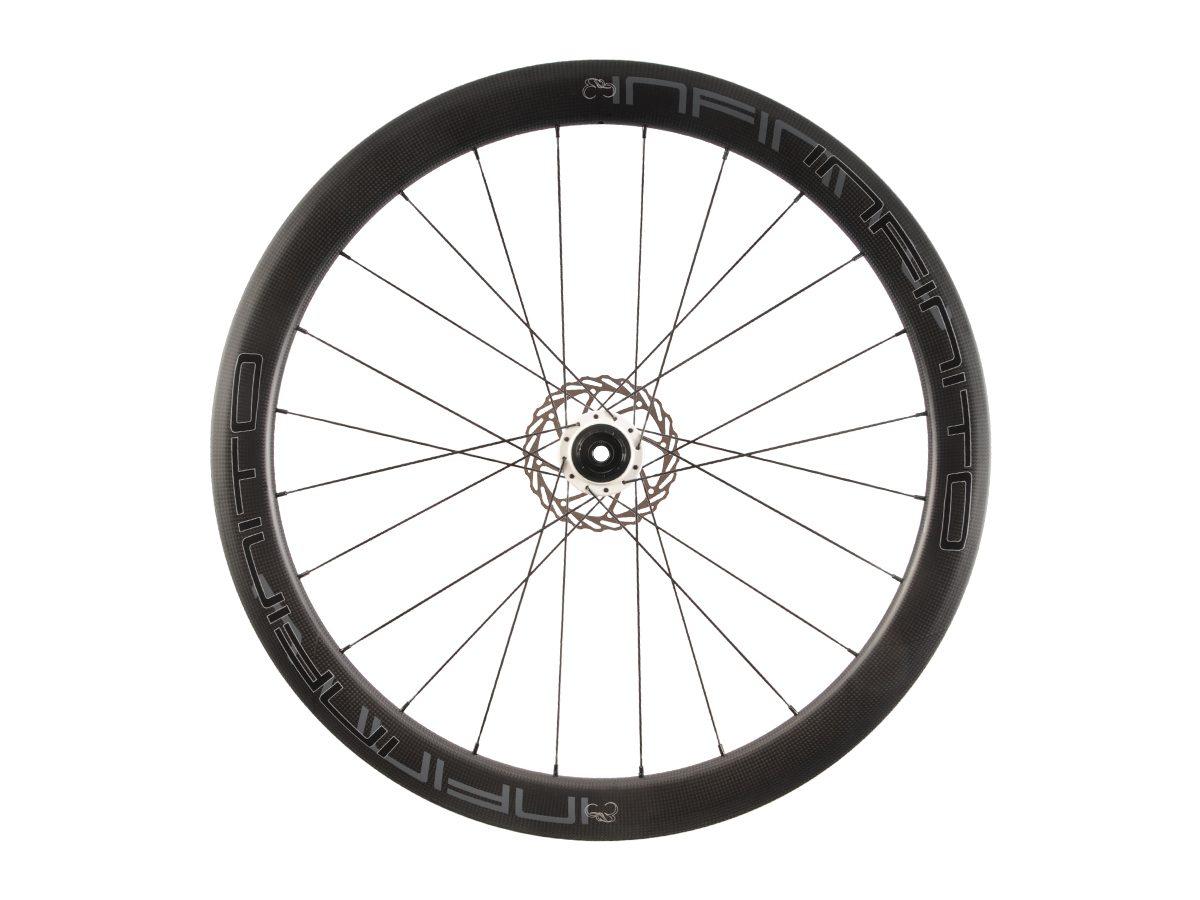 https://www.infinito-cycling.com/wp-content/uploads/2019/02/D5C-Zwarte-velg-Witte-naaf-Rear-1.jpg