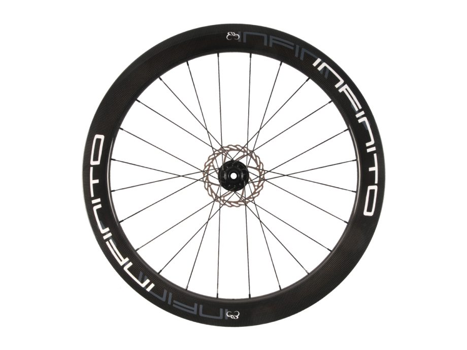 https://www.infinito-cycling.com/wp-content/uploads/2019/02/D6T-Witte-velg-Zwarte-naaf-Front-1.jpg