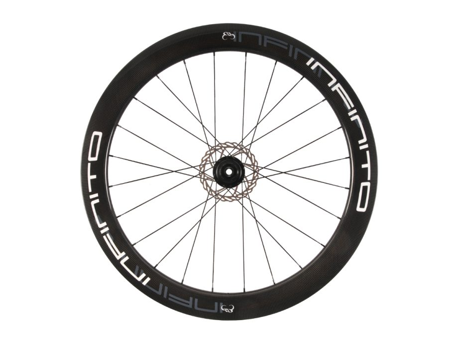 https://www.infinito-cycling.com/wp-content/uploads/2019/02/D6T-Witte-velg-Zwarte-naaf-Rear-1.jpg