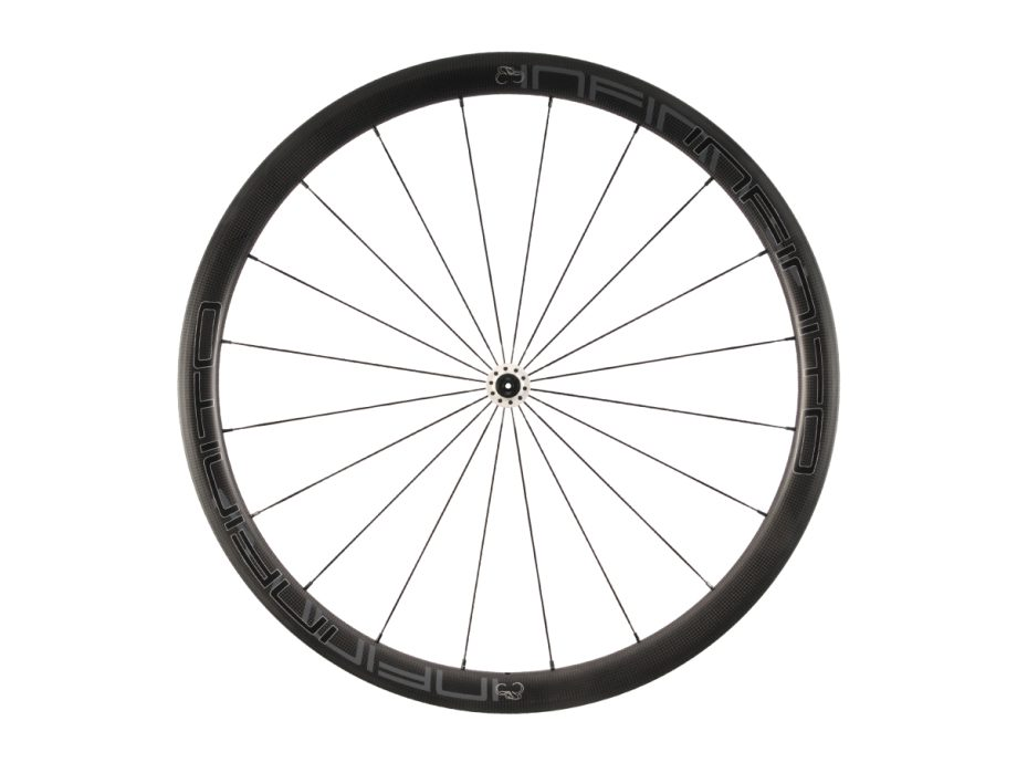 https://www.infinito-cycling.com/wp-content/uploads/2019/02/R4C-Zwarte-velg-Witte-naaf-Front-1.jpg