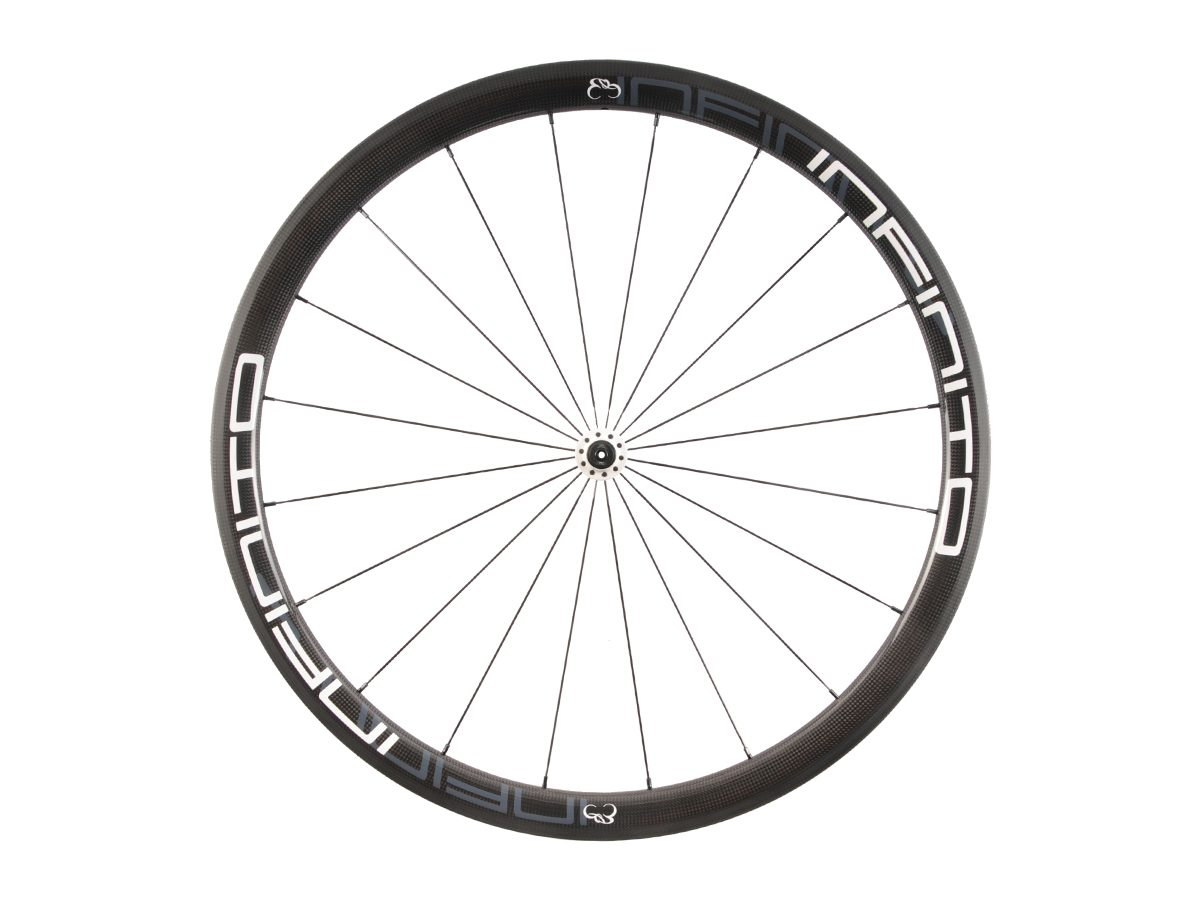 https://www.infinito-cycling.com/wp-content/uploads/2019/02/R4T-Witte-velg-Witte-naaf-Front-1.jpg