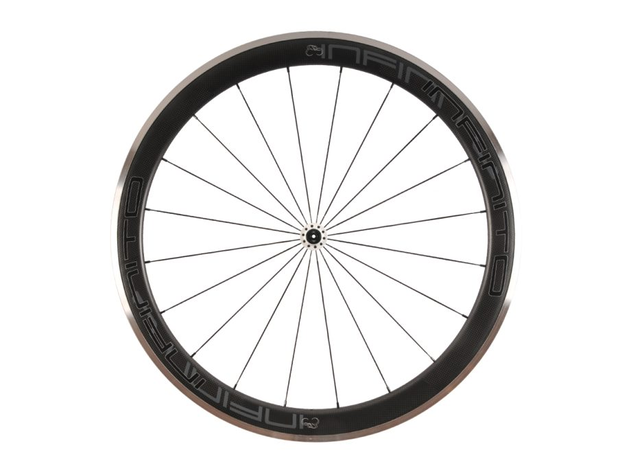 https://www.infinito-cycling.com/wp-content/uploads/2019/02/R5AC-Zwarte-velg-Witte-naaf-Front-1.jpg