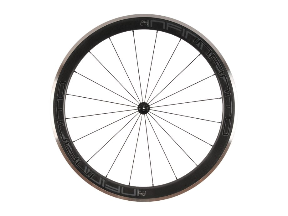 https://www.infinito-cycling.com/wp-content/uploads/2019/02/R5AC-Zwarte-velg-Zwarte-naaf-Front-1.jpg