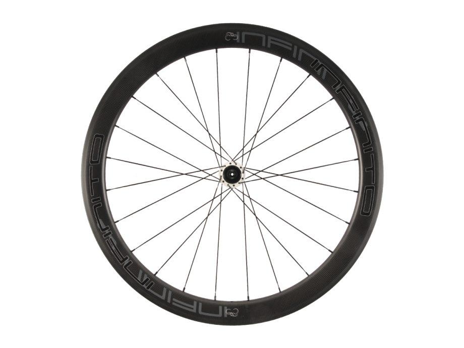 https://www.infinito-cycling.com/wp-content/uploads/2019/02/R5C-Zwarte-velg-Witte-naaf-Rear-1.jpg